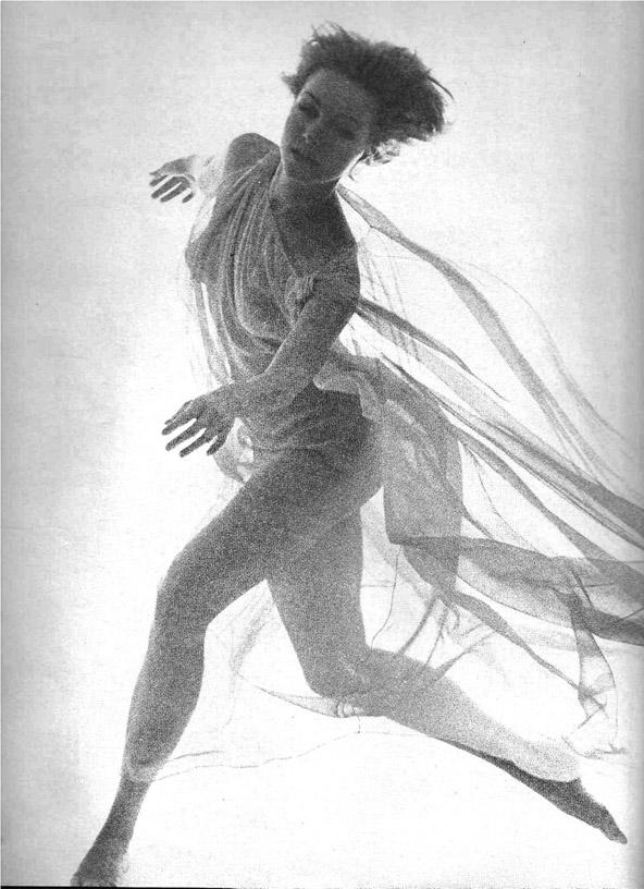 Julie-Newmar-1962-by-Bert-Stern