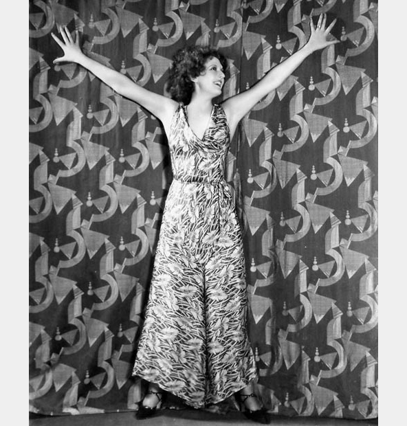 carmel-myers-flowered-silk-pajamas-1931