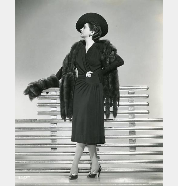 kay-francis-1941-fashion_opt-1