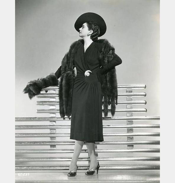 kay-francis-1941-fashion_opt-1